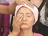 ikko ハイビジョン対応の肌を作る ファンデーション の塗り方